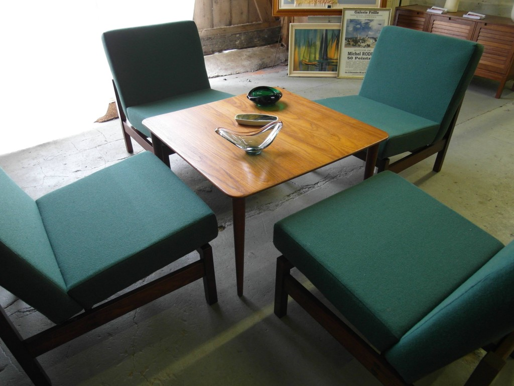 Knoll Style Modernist chairs £125 each SOLD