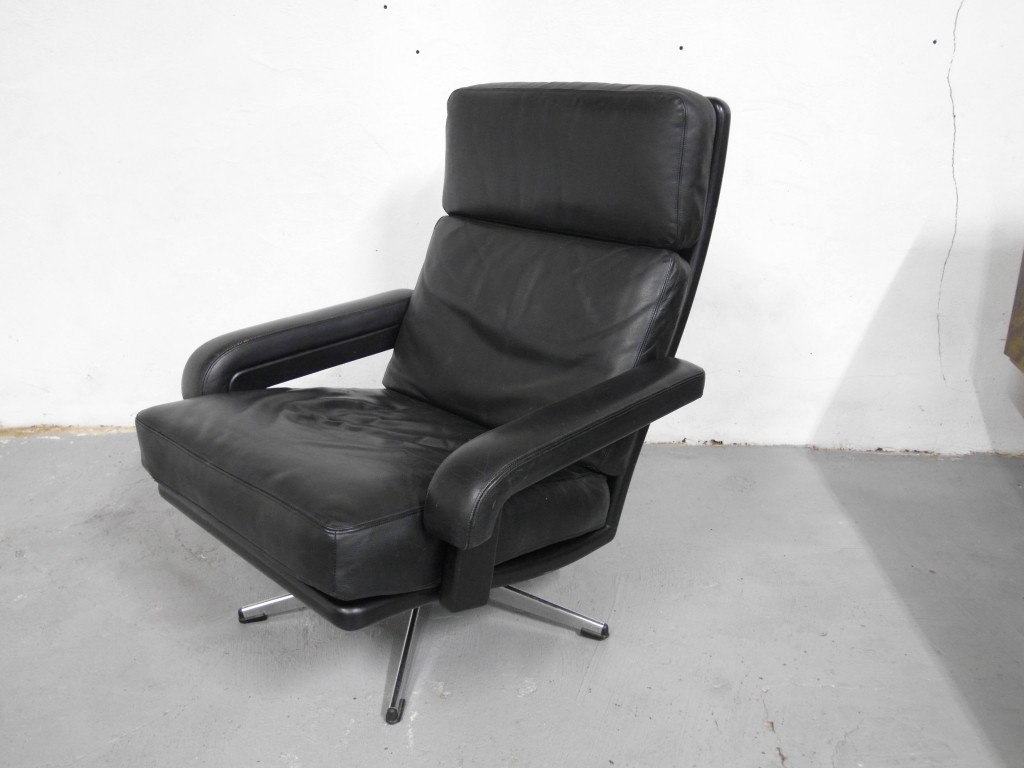 1960's Leolux Black Leather Swivel Chair £395 SOLD