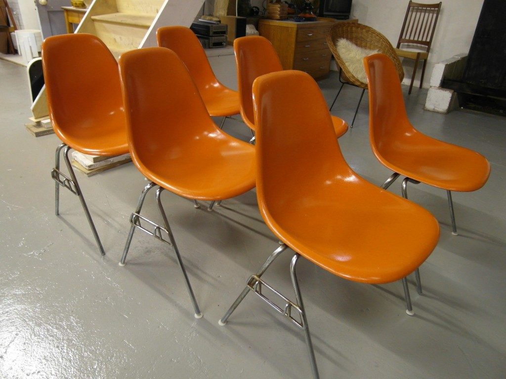 Eames DSW Shell Chairs By Herman Miller £200 or £995 for the Set. Six Available SOLD