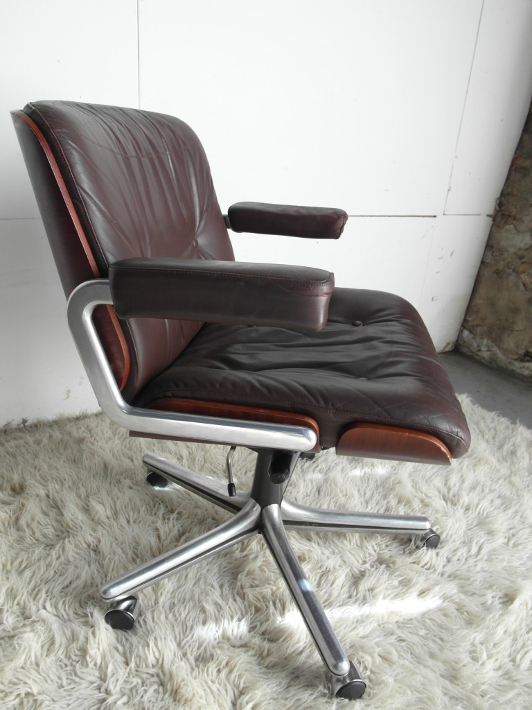 Vintage Gordon Russell Leather and Rosewood Swivel Chair £400SOLD