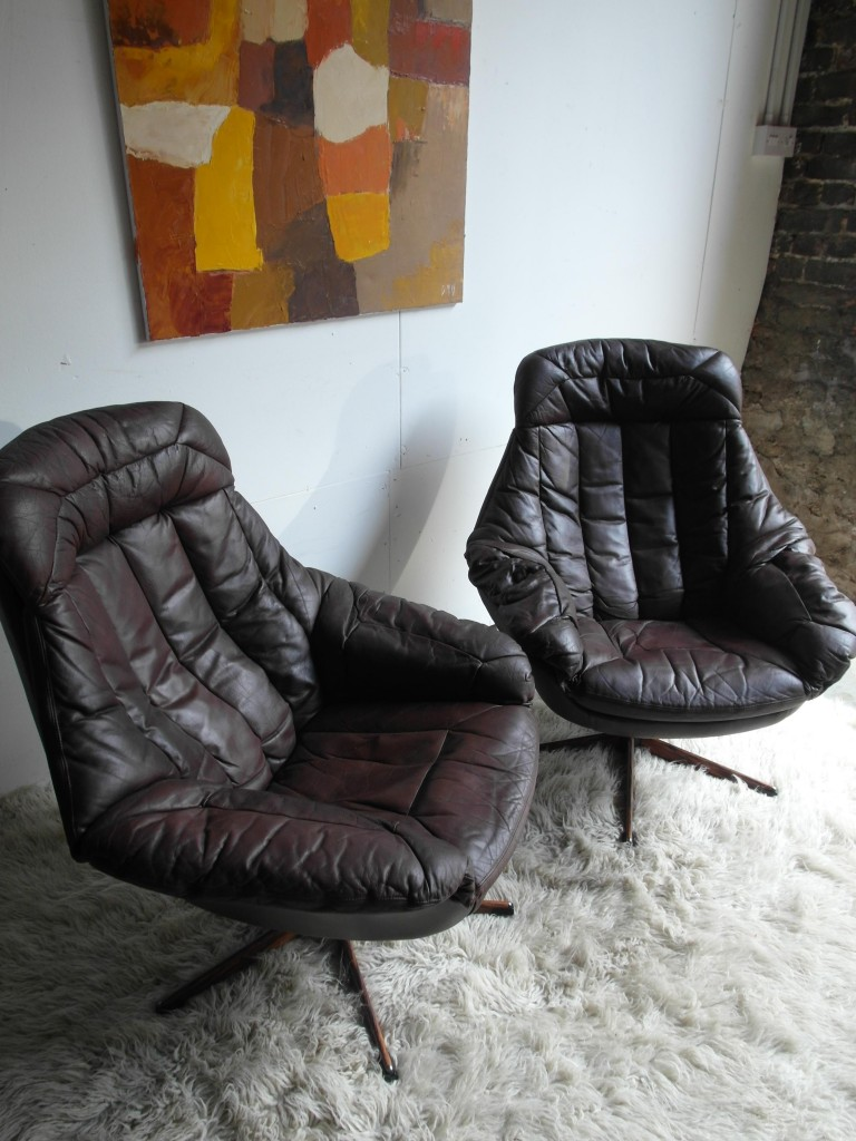Pair of vintage Bramin Swivel chairs in Brown Leather rand Rosewood £595