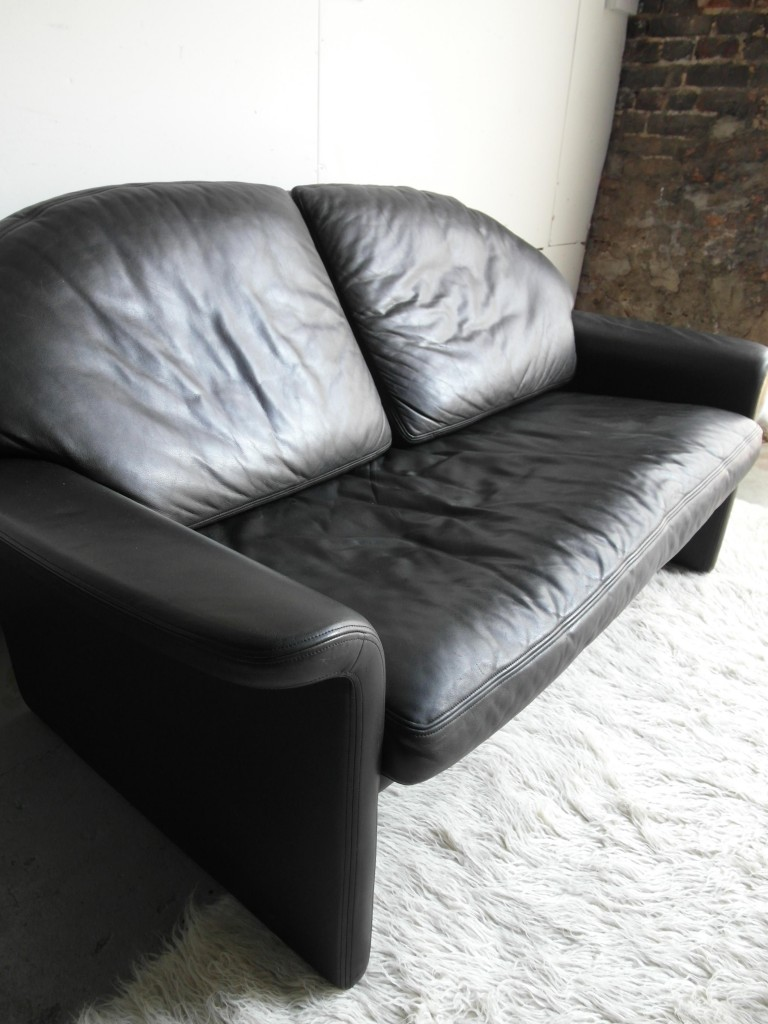 "Vintage De Sede DS36 Two Seater Sofa in Black "" Neck"" Leather £895"